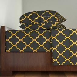 Quatrefoil Ogee Geometric Metallic Gold Cotton Sateen Sheet